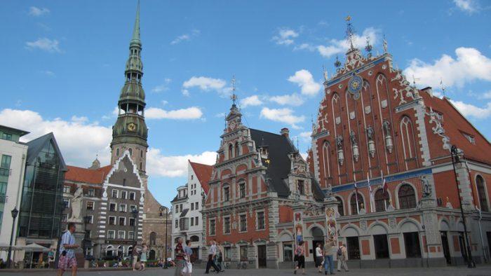 Zdjęcie starego miasta w Rydze wykonane podczas wizyty studyjnej.